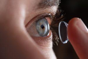Lentes de contato em Curitiba Entenda quais são as lentes, indicações de cada tipo de lente e preço